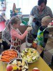 """Sveikos mitybos diena """"Saulučių"""" grupėje vaikų lopšelyje –darželyje """"Vyturėlis"""""""